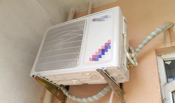 空调外机管道.jpg